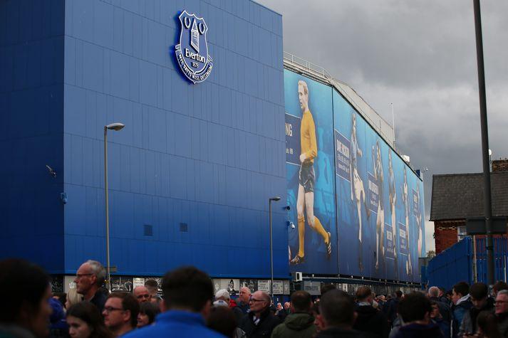 Everton hefur rétt Bolton Wanderers hjálparhönd í fjárhagsvandræðum félagsins.