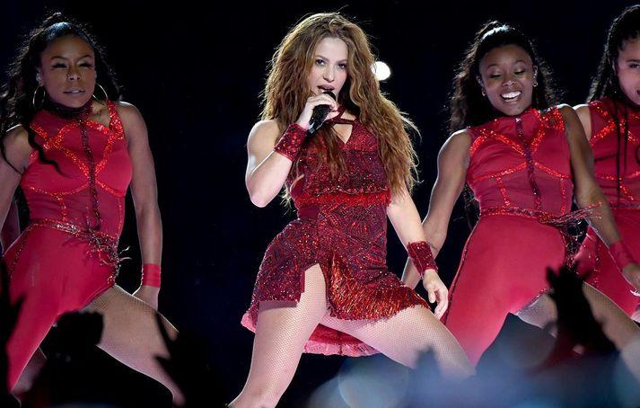Shakira á Superbowl í fyrra.