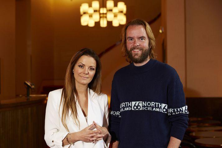 Birgitta Haukdal og Guðjón Davíð Karlsson vinna nú að jólasýningu fyrir börnin.