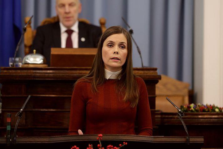 Katrín Jakobsdóttir hefur skipað starfshóp sem ætlað er að koma með úrlausnir á traustvanda stjórnmálastéttarinnar.