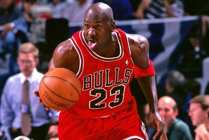 Michael Jordan á ferðinni með Chicago Bulls á lokatímabili sínu með liðinu.