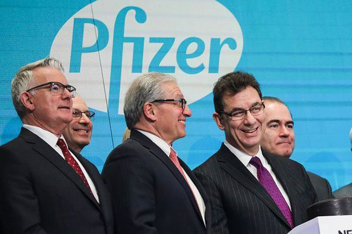 Albert Bourla (t.h.) er forstjóri Pfizer.