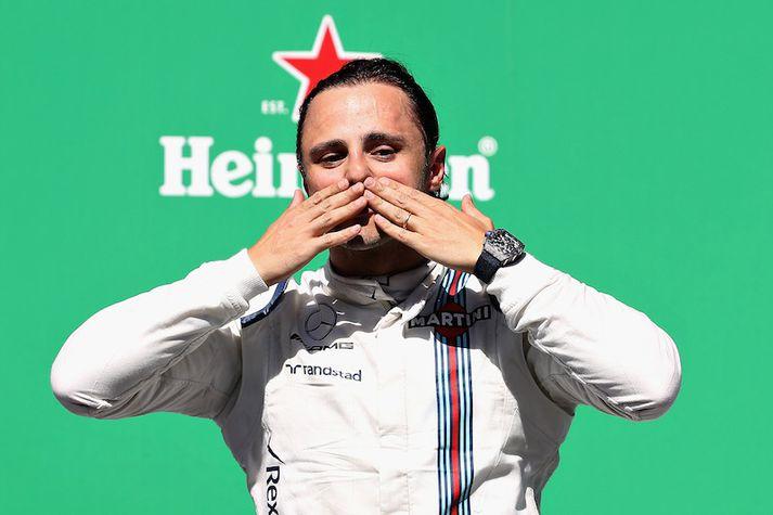 Felipe Massa setur Formúlu 1 hjálminn á hilluna frægu eftir kappaksturinn í Abú Dabí um helgina.