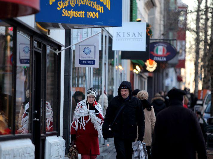 Fasteignaverð er hátt á mörgum svæðum í Reykjavík. Íbúar virðast því fremur kjósa sér aðra búsetu en í borginni.