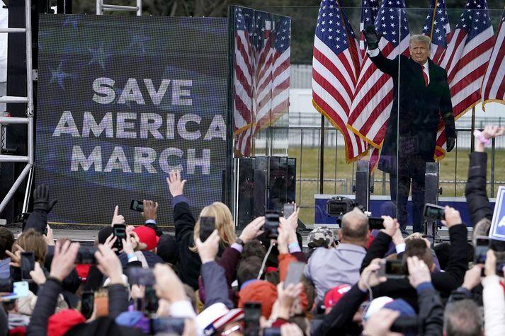 """Donald Trump, hvatti stuðningsmenn sína til að leggja leið sína að þinghúsi Bandaríkjanna þann 6. janúar síðastliðinn og """"berjast"""" fyrir framtíð Bandaríkjanna."""