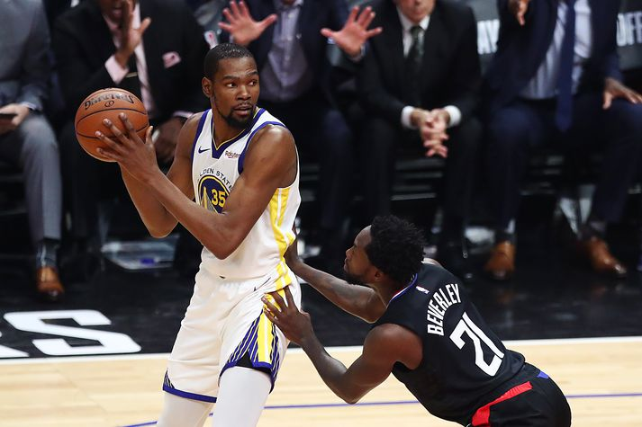 Varnarmenn Clippers réðu ekkert við Durant í nótt.