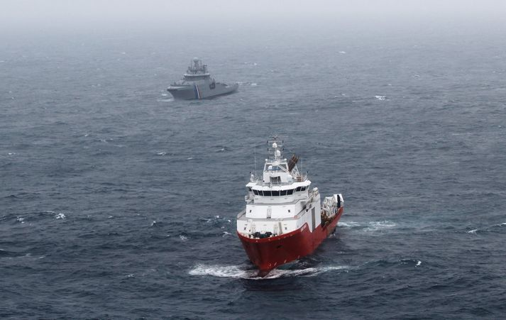 Rannsóknarskipið Seabed Worker yfir flaki Minden.