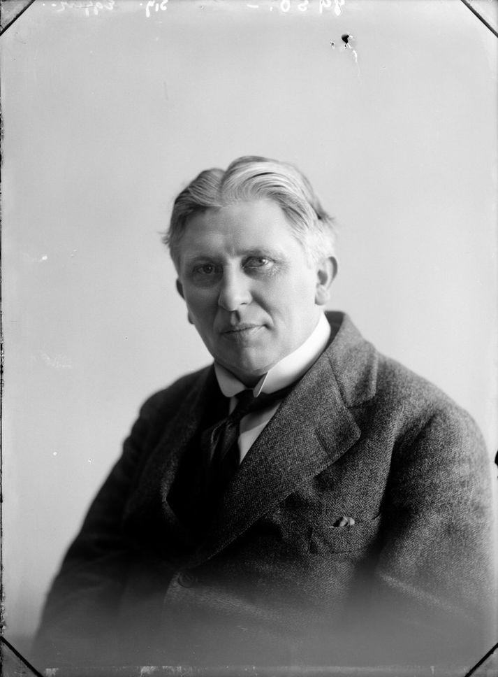 Knud Zimsen hlaut 1.760 atkvæði í kosningunum en Sigurður Eggerz 1.584.