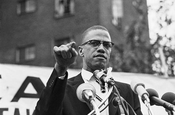 Malcolm X var myrtur þann 21. febrúar árið 1965.