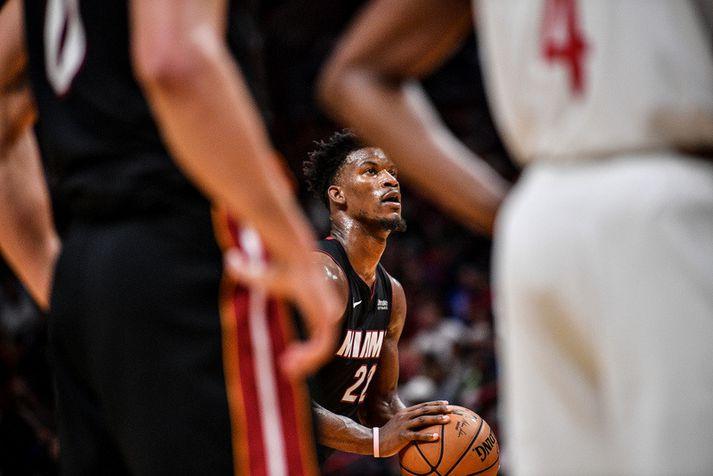 Jimmy Butler var fyrsti leikmaður Miami Heat til að skora 30 stig í fyrri hálfleik síðan að LeBron James gerði það árið 2014.