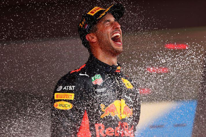 Daniel Ricciardo ekur fyrir Red Bull.