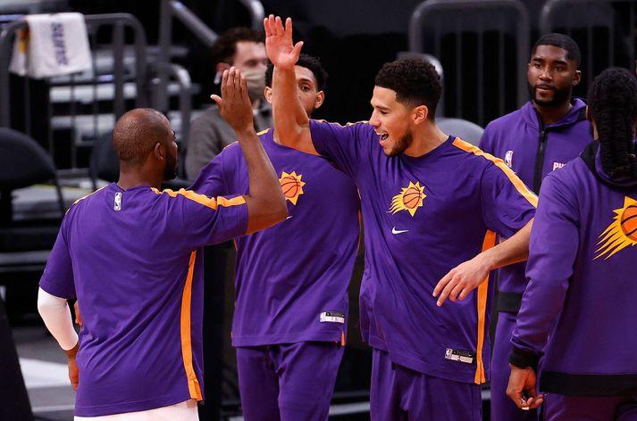 Chris Paul og Devin Booker mynda nú skemmtilegt bakvarðarteymi hjá liði Phoenix Suns.