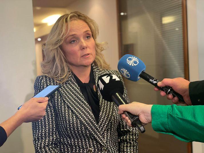 Kristín Edwald formaður landskjörstjórnar ræddi við fréttamenn að fundi loknum.