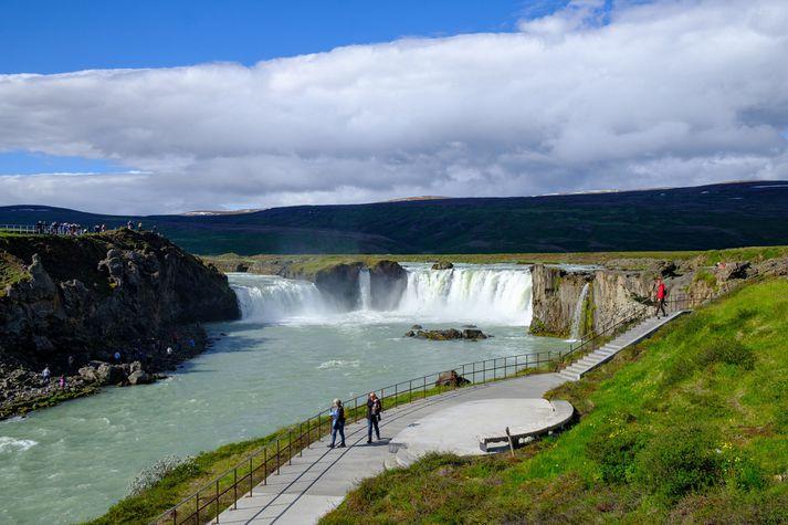 Goðafoss er í Skjálfandafljóti í Bárðardal í Þingeyjarsveit.