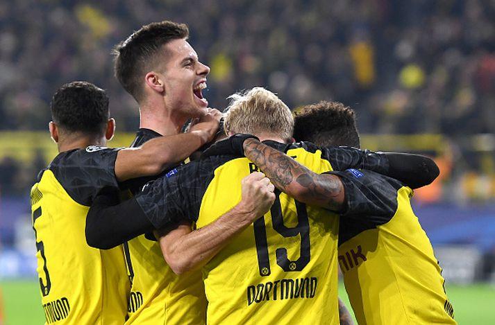 Leikmenn Dortmund fagna í kvöld.