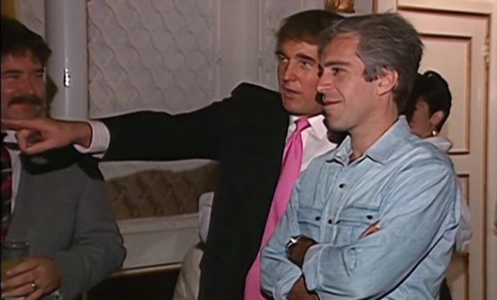 Trump bendir Epstein á stúlkur í samkvæminu.