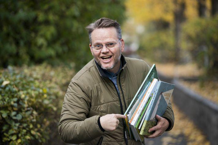 Gunnar Helgason segir það vandamál hversu illa barnabækur komist til skila til barnanna, meðal annars vegna þess hversu fjársvelt bókasöfnin eru.