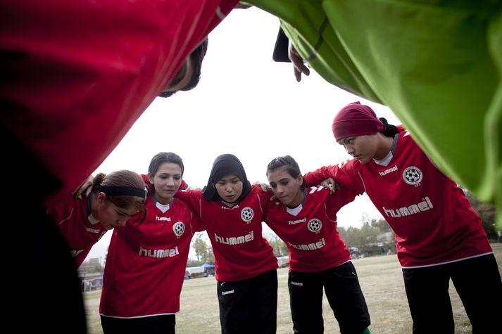 Afganska kvennalandsliðið var stofnað árið 2007 og þá var litið á það sem ögrun við Talibana.