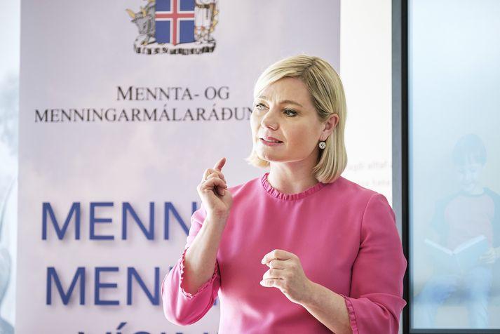 Lilja Alfreðsdóttir menntamálaráðherra er upptekin í Osló við fullveldishátíðarhöld.