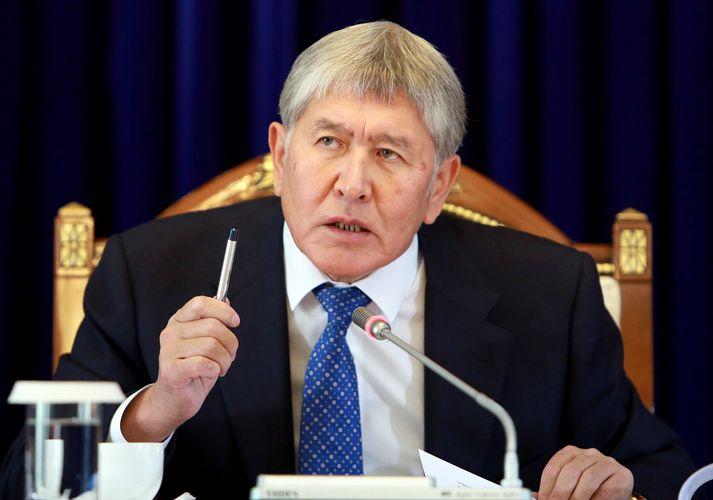 Atambajev streittist við handtöku í tvo sólahringa áður en hann gafst loks upp.
