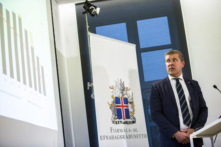 Bjarni Benediktsson fjármálaráðherra sagði aðgerðir í frumvarpinu ætlaðartil að koma til móts við kröfur aðila vinnumarkaðarins