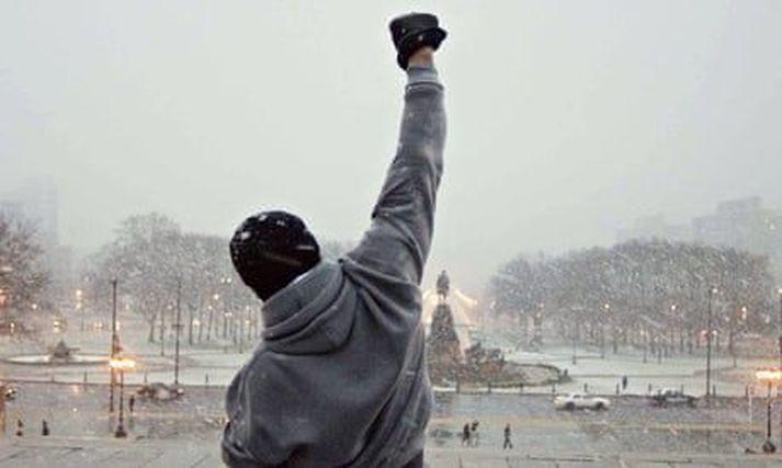 Ein frægasta senan í Rocky er þegar hann hleypur upp tröppurnar fyrir framan listasafnið í Philadelphia.
