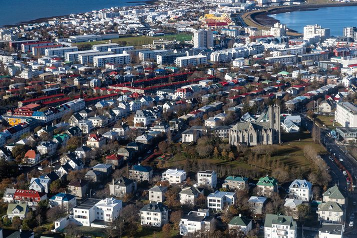Umrædd blokk fyrir eldri borgara er að Grandavegi 47 í Vesturbæ Reykjavíkur.