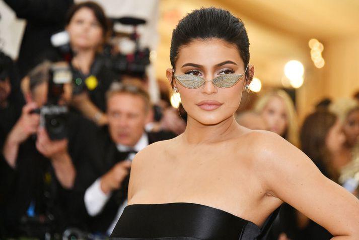 Kylie Jenner, yngsti milljarðamæringur heims, á MET-galakvöldverðinum í maí síðastliðnum.