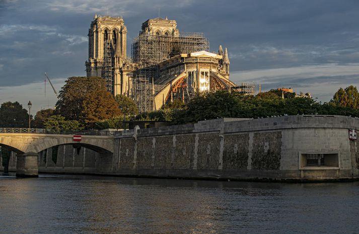 Dómkirkjan Notre-Dame í París.