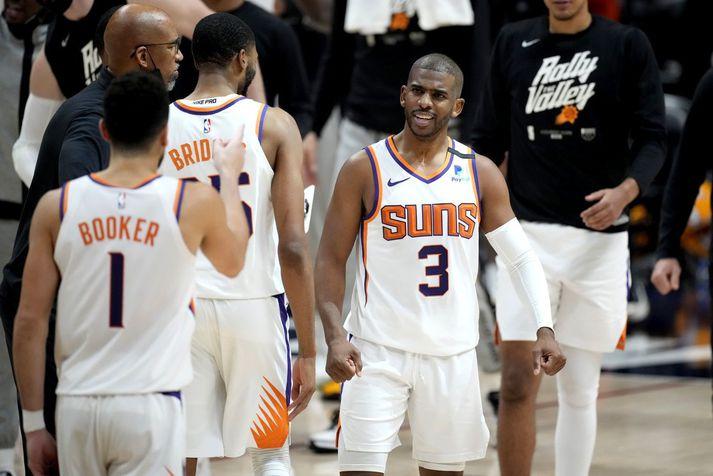 Chris Paul fór fyrir liði Phoenix Suns í nótt en liðið hefur unnið sjö leiki í röð í úrslitakeppninni.