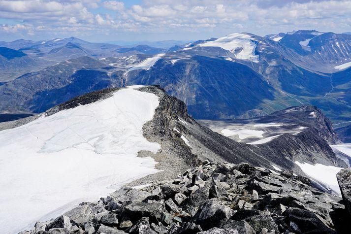 Útsýnið af toppi Galdhöpiggen í Noregi.