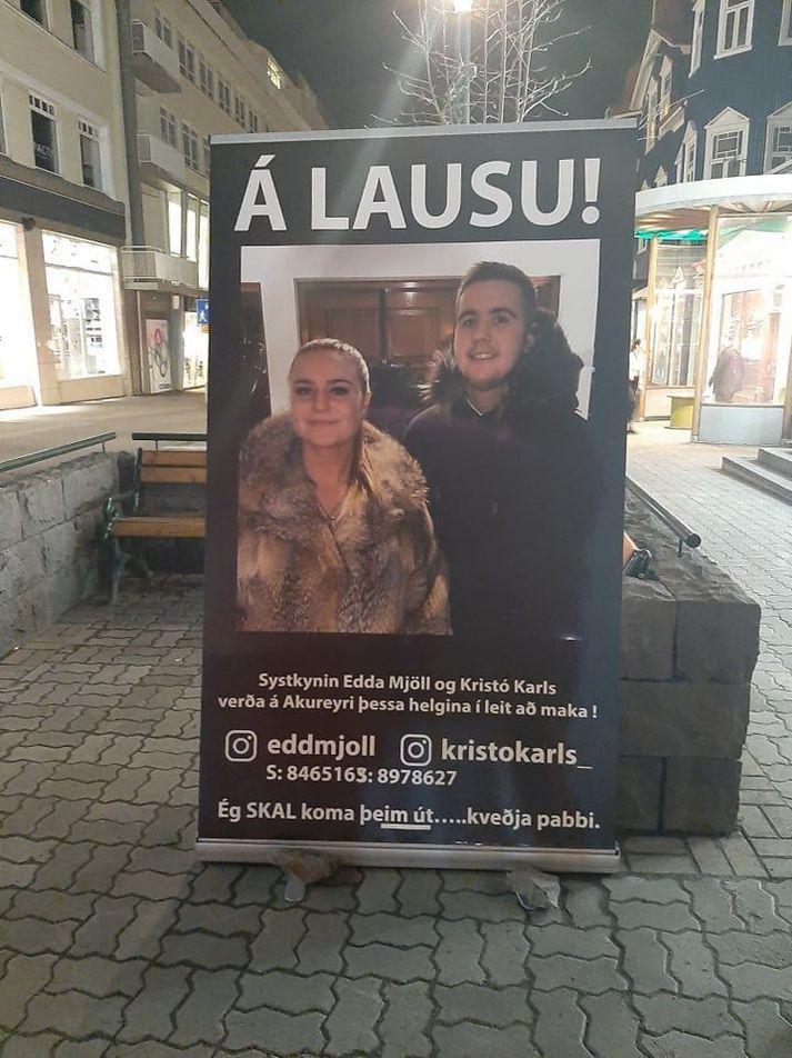 Eddu og Kristófer var ansi brugðið þegar þau sáu skiltið.
