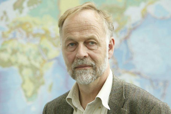 Páll Einarsson prófessor emiritus í jarðeðlisfræði.