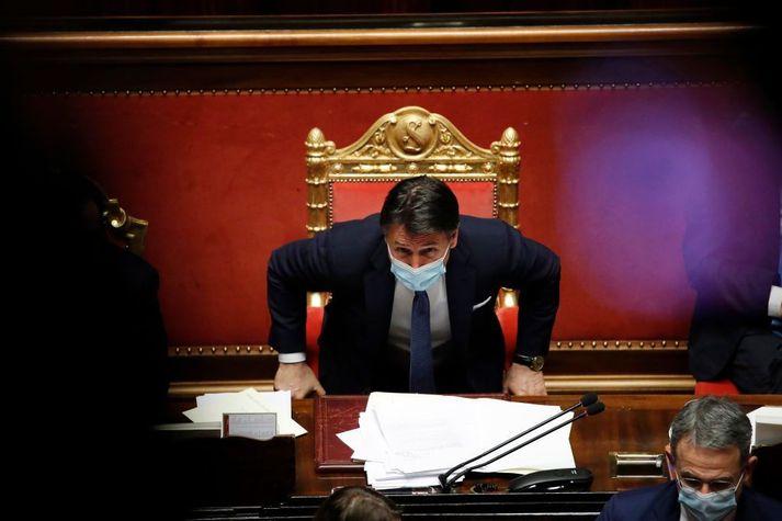 Giuseppe Conte, sem starfaði áður sem lagaprófessor, hefur leitt tvær samsteypustjórnir á Ítalíu frá árinu 2018.