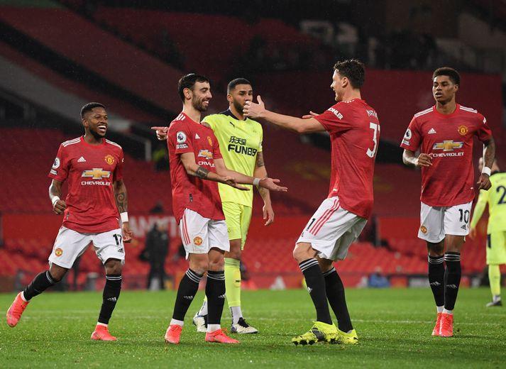 Leikmenn United fagna marki gegn Newcastle í ensku deildinni.