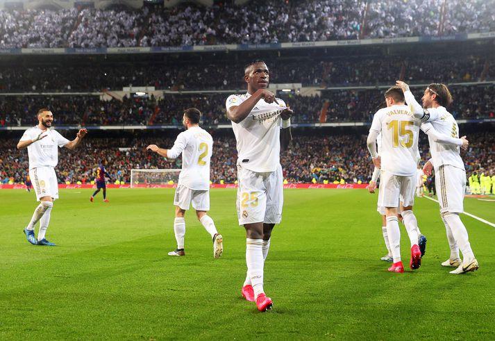Leikmenn Real Madrid munu taka á sig launalækkun.
