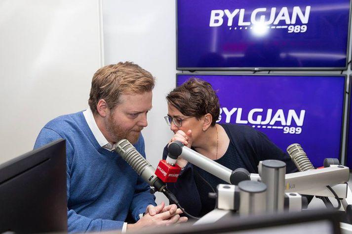 Sigmundur Davíð Gunnlaugsson og Anna Kolbrún Árnadóttir í hljóðveri Bítisins í morgun.
