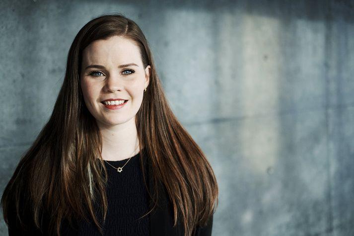 Íris Björk býst við að fara til Þýskalands eftir söngnámið hér á landi því þar er óperuheimurinn.