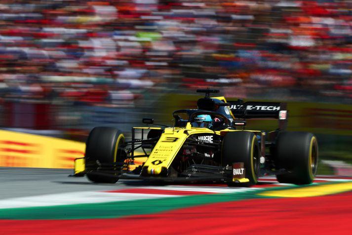 Lítið hefur gengið hjá Daniel Ricciardo eftir að hann fór til Renault fyrir tímabilið.