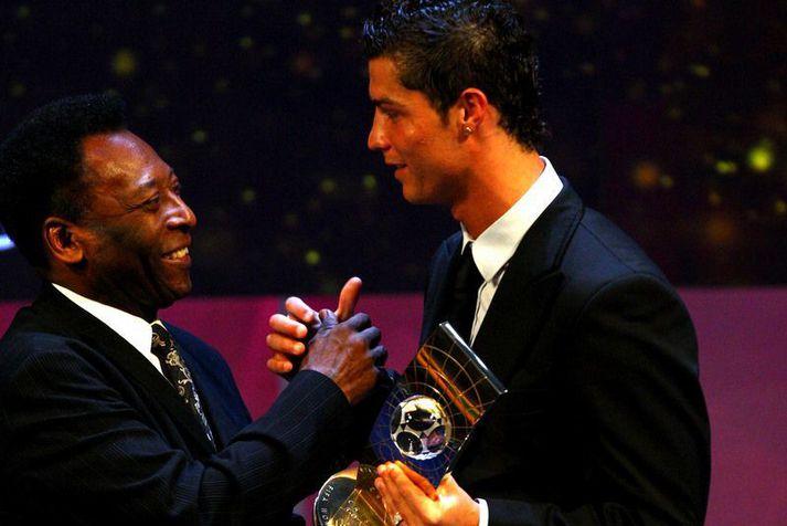 Pele hefur afhent Cristiano Ronaldo nokkur verðlaun í gegnum tíðina.