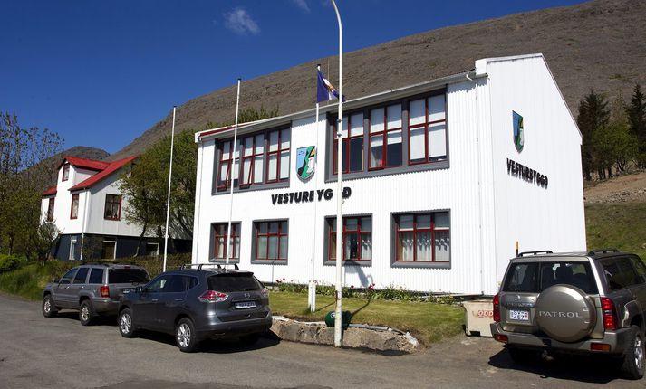 Byggðalögin Patreksfjörður og Bíldudalur eru hluti af sveitarfélaginu Vesturbyggð.