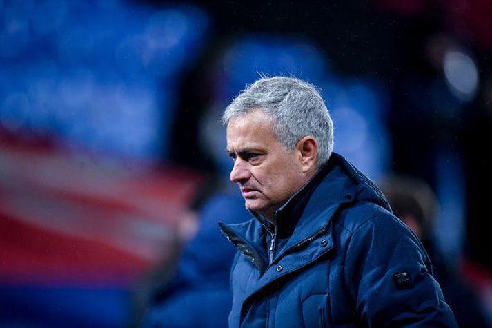 Jose Mourinho skaut aðeins á það að Jurgen Klopp hafi unnið verðlauninn, besti þjálfarinn hjá FIFA.