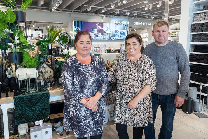 Guðný Ingibjörg, Anna Guðrún og Einar, eigendur húsbúnaðarverslunarinnar Home & You í Skeifunni 11.