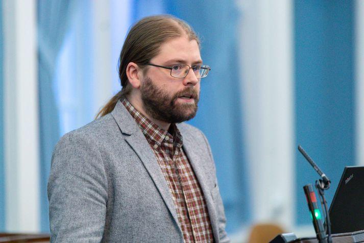 Helgi Hrafn var harðorður í garð Miðflokksmanna á Alþingi í kvöld.
