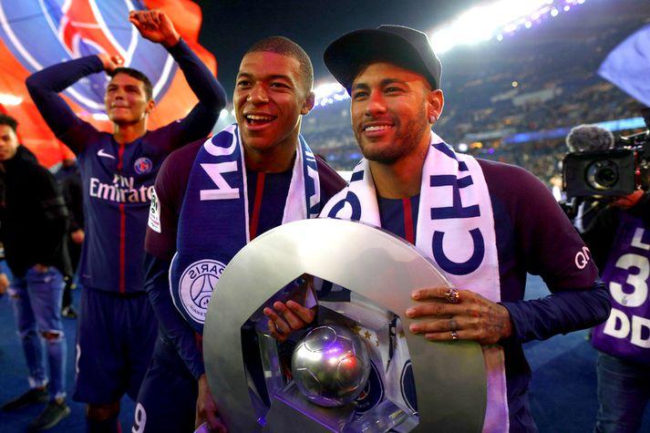 Neymar og Kylian Mbappé eru tveir dýrustu knattspyrnumenn allra tíma.