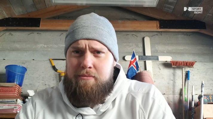 Kári Kristján og krossinn frægi.