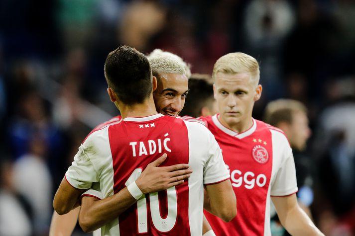 Leikmenn Ajax fagna.