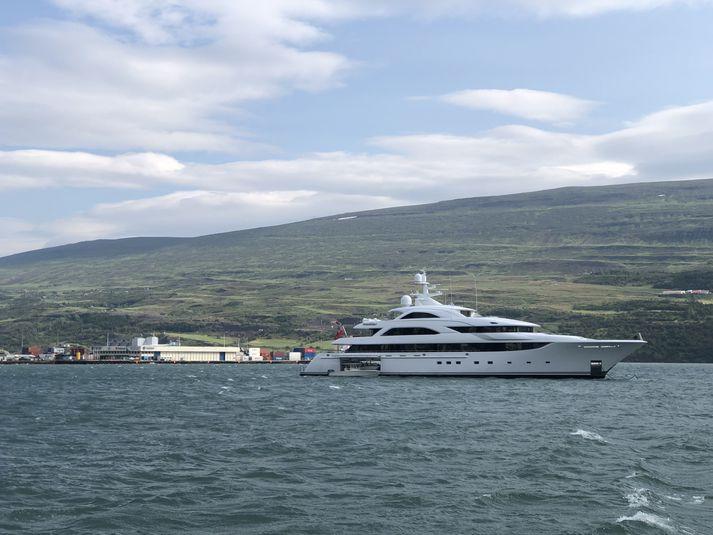 Satori er ekki fyrsta snekkjan sem kemur til Akureyrar í sumar.