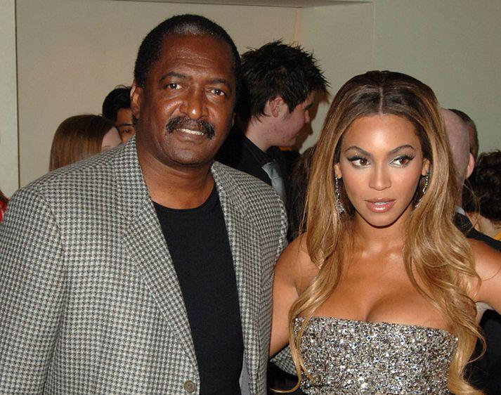 Mathew Knowles ásamt dóttur sinni Beyoncé.