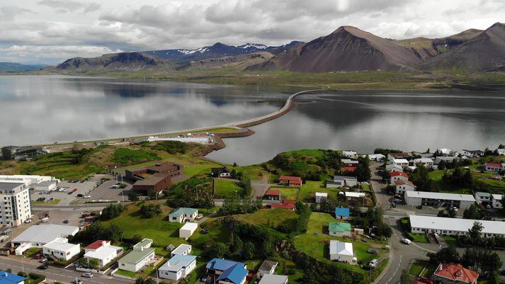 Frá Borgarnesi en vatnsbólið þjónar bænum sem og Bifröst og Varmalandi auk fjölda sumarhúsa og nokkurra lögbýla í Borgarfirði.